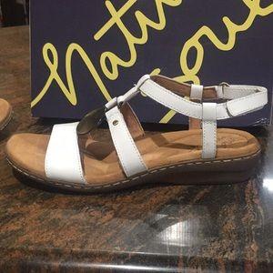 1f76012a182d Natural Soul Shoes - Last one😳 Natural SOUL Naturalizer Brenda Sandals